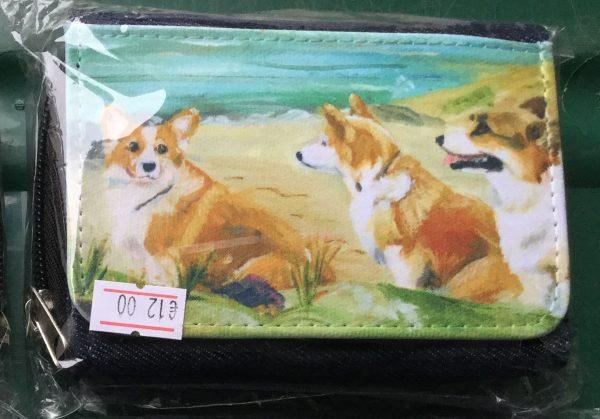Denim purse with illustration of 3 corgis on a beach